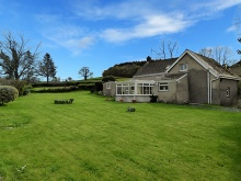 PERIOD COTTAGE IN ATTRACTIVE SEMI RURAL SETTINGS WITH FAR REACHING VIEWS
